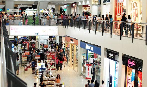 Abbassare la saracinesca dei negozi la domenica o nei giorni festivi, come propone il M5S, è un errore