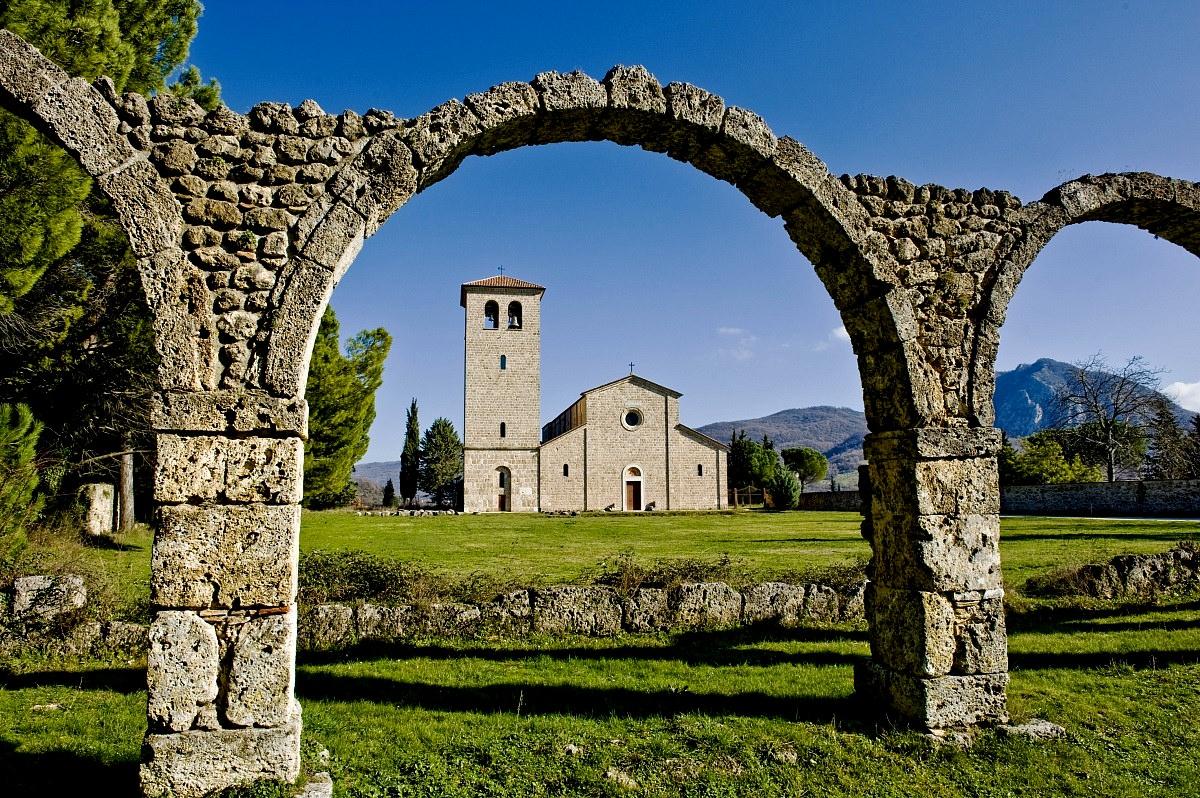Sito di San Vincenzo al Volturno. Una nuova proposta di legge istitutiva che prevede l'allargamento dell'area del Parco per mettere a frutto i vantaggi offerti dalla storia e dall'ambiente che lo caratterizzano.